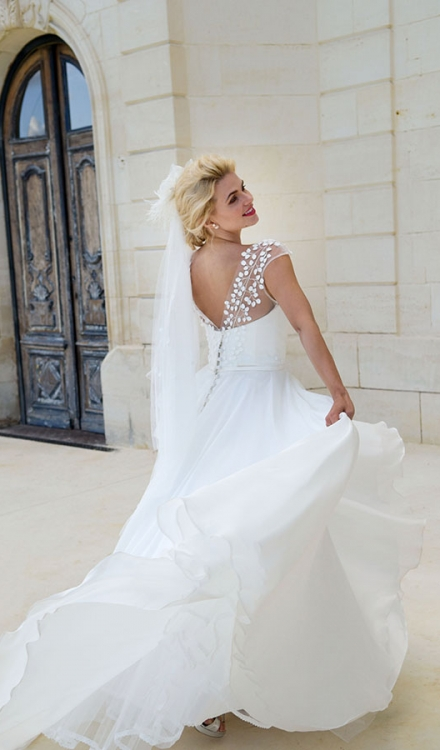 Love's Promise Wedding Dress Back